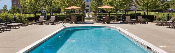 amli at museum gardens pool