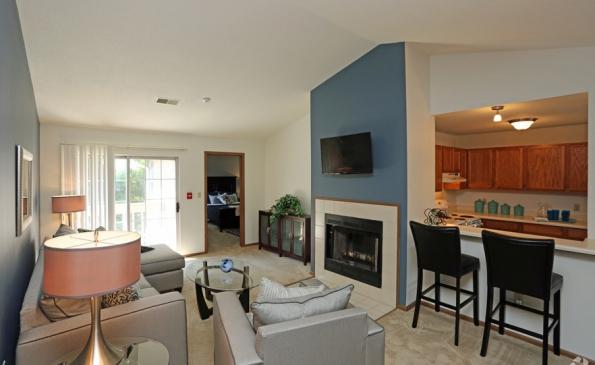 deer-run-apartments-milwaukee-wi-living-room