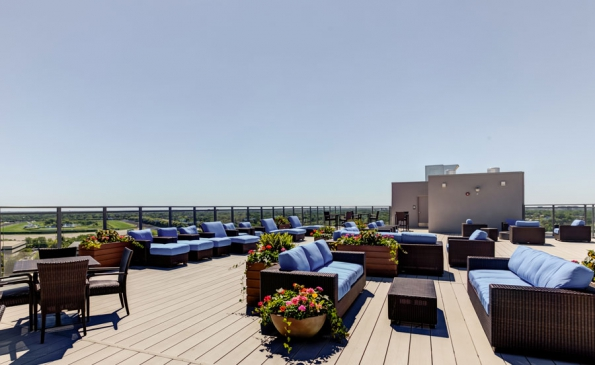 One-Arlington-Party-Room-Rooftop-Deck-007