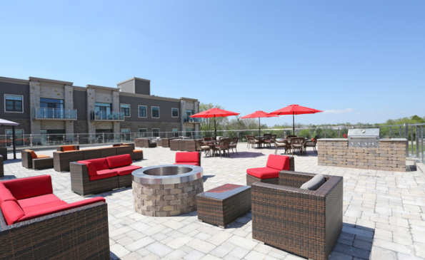 the-reserve-mequon-wi-roof-deck
