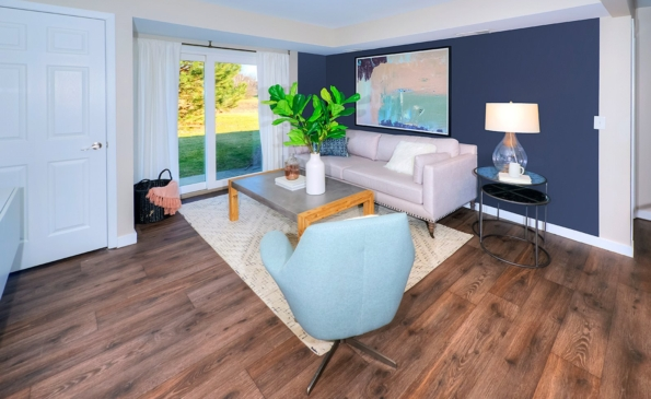 fairways-naperville-apartments-living-area-2-gallery